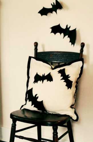 halloween-bat-chair